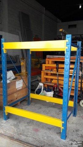 Montagem e desmontagem de porta pallets