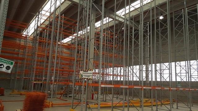 Montagem de estruturas porta paletes